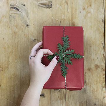 Pak julegaver ind
