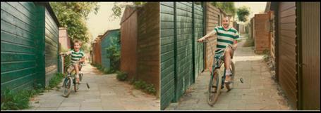 Stolz wie damals - der Junge und sein Fahrrad