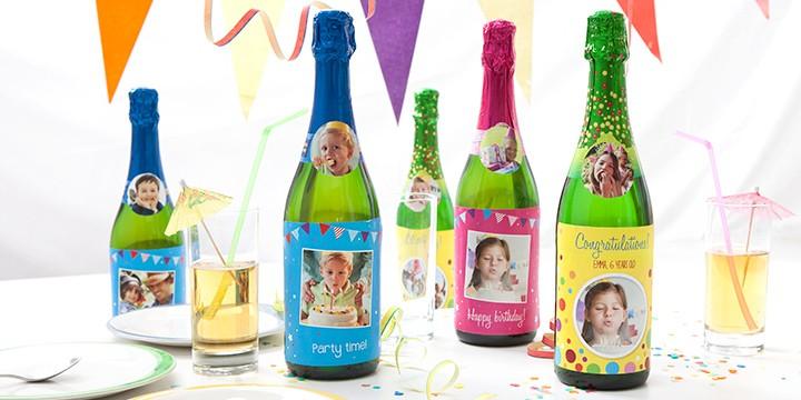 Kindersekt mit Flaschen-Etiketten