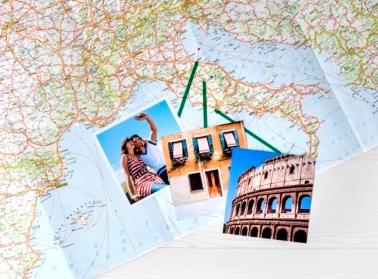 Weltkarte hinter Acrylglas