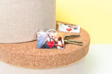 geschenkidee-schlüsselanhänger-alu-foto-smartphoto