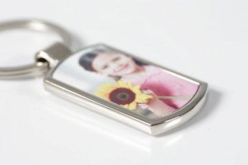 geschenkidee-schlüsselanhänger-metall-foto-smartphoto