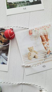 adventskalender-fotos-dekoration-einfädeln-smartphoto