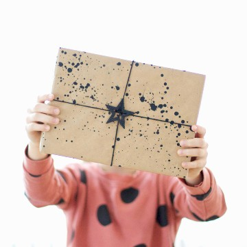 geschenkpapier-DIY-farbflecken-weihnachten-annabelle-smartphoto