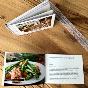 hochzeit-gästebuch-kochbuch-lieblingsrezepte-gäste-smartphoto