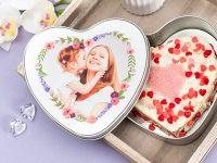Backe Deinen eigenen herzförmigen Schoko-Kuchen