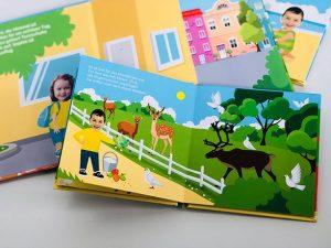 Personalisierbares Lesebuch mit Foto Junge und Mädchen