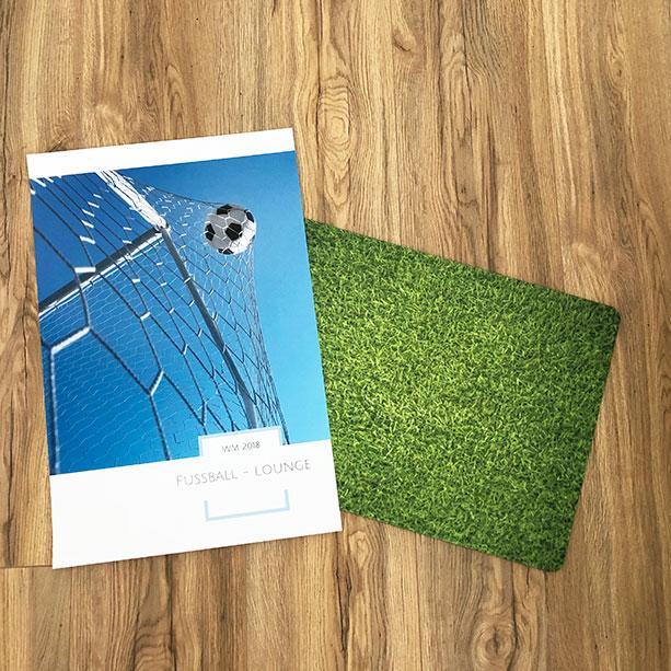WM-Willkommensposter mit Rasen-Fussmatte