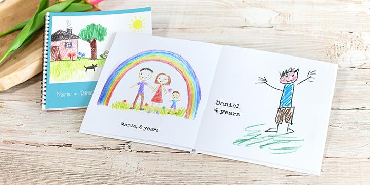 Fotobuch mit abfotografierten Kinderzeichnungen