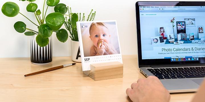 Calendrier photo avec support bois