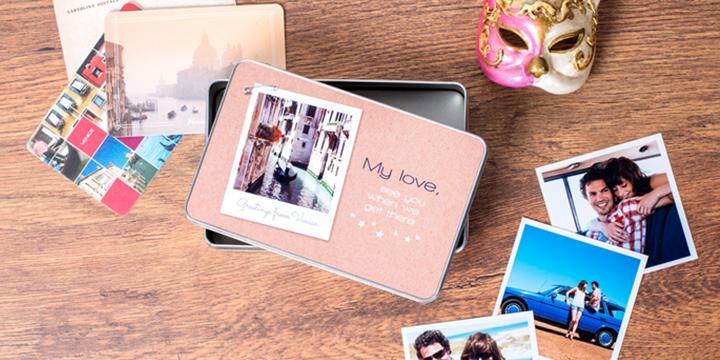 Boîte à biscuits personnalisée avec souvenirs de voyage