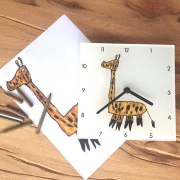 Horloge murale plexi avec dessin