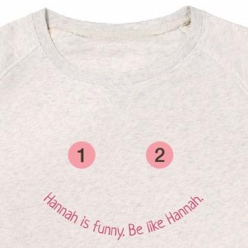 Sweatshirt mit Text im Halbkreis