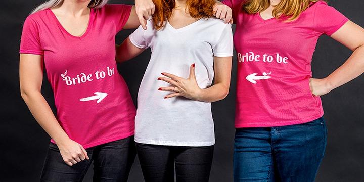 """T-shirts personnalisés """"Bride to be"""" pour enterrement de vie de jeune fille"""