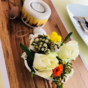 Décoration florale et bougeoir