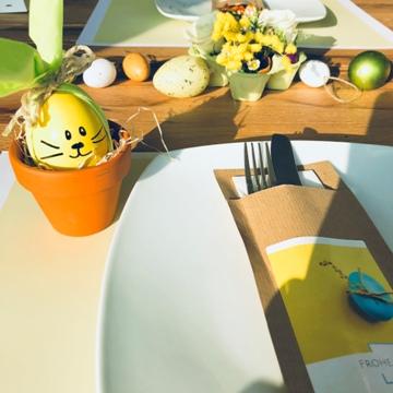 Déco de Pâques avec pots en argile