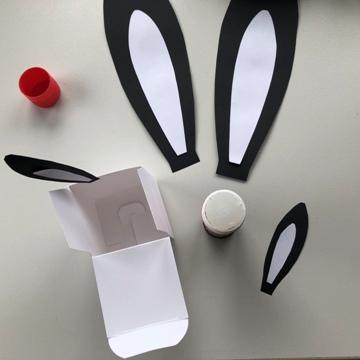 Bricolage oreilles de lapin en carton