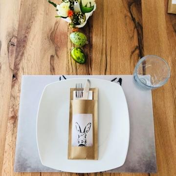 """Set de table, assiette et pochette à couverts """"lapin"""""""