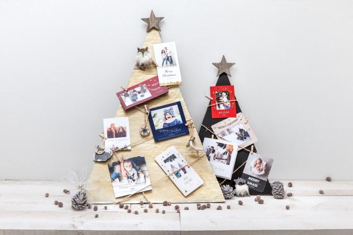 Sapins de Noël avec cartes de vœux