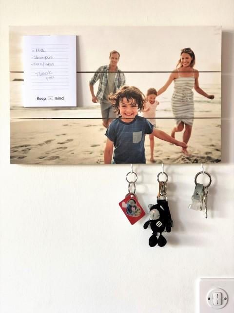 Photo sur planches en bois pense-bête et porte-clés