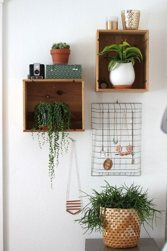 DIY wanddecoratie - Sinaasappelkistjes als deco