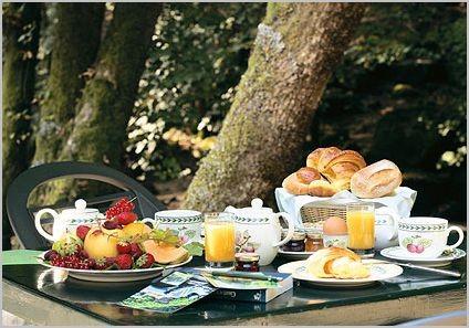 zomerherinneringen - buiten ontbijten