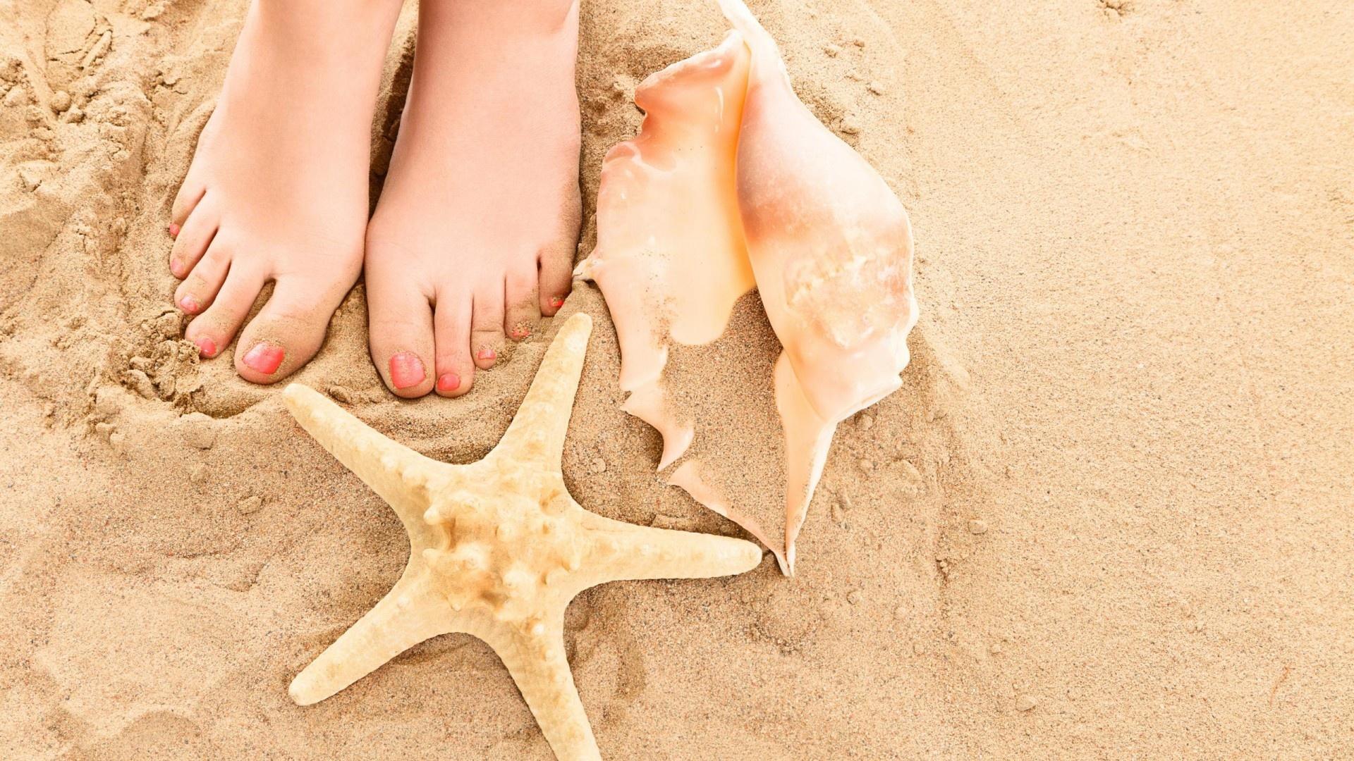 zomerherinneringen - voeten in het zand