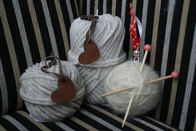 kerstbal met wol zelf maken