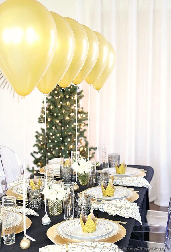 tafelversiering-kerst-7-ballonnen-voor-je-feesttafel