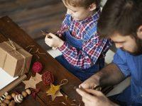 Zelf je kerstversiering knutselen? Met dit lijstje kan je zo aan de slag!