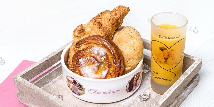 Gepersonaliseerd ontbijt - ontbijtkom en glas met foto