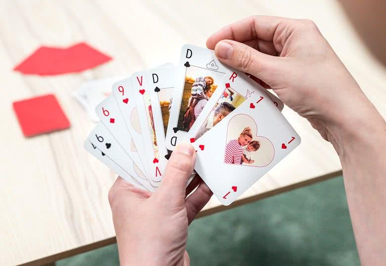 Moederdagcadeau opsturen met kaartje: speelkaarten