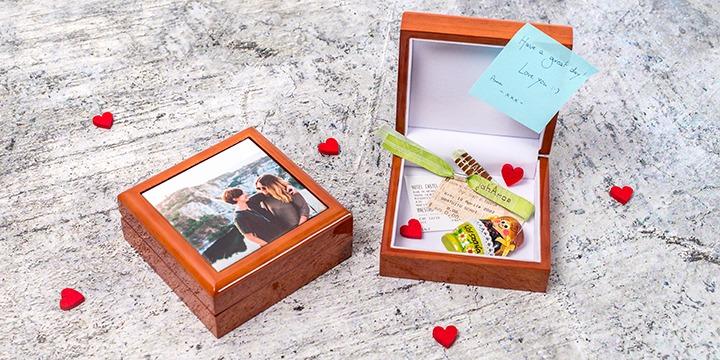 Valentine jewellery box with keepsakes
