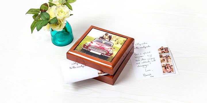 petites notes souvenirs dans boîte à bijoux personnalisée