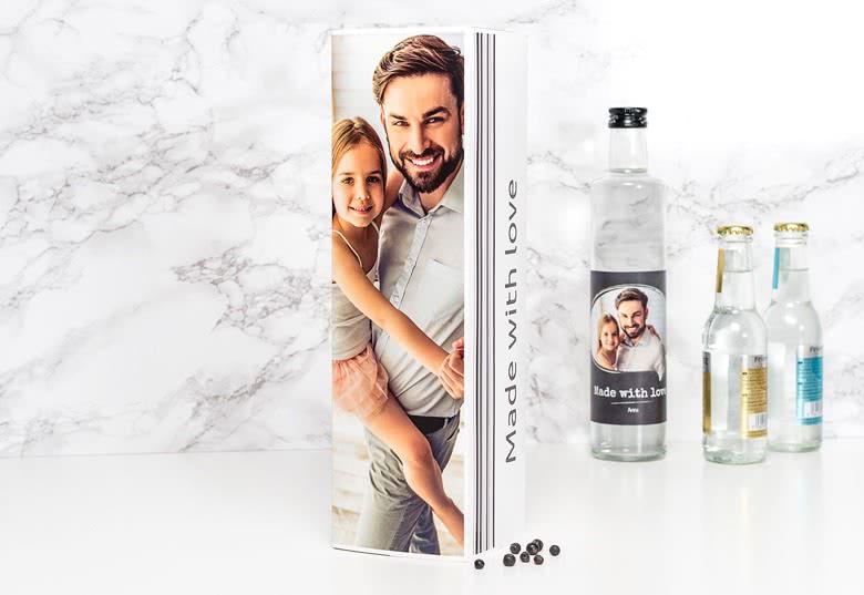 idée cadeau papa: bouteille d'alcool avec boîte cadeau personnalisée