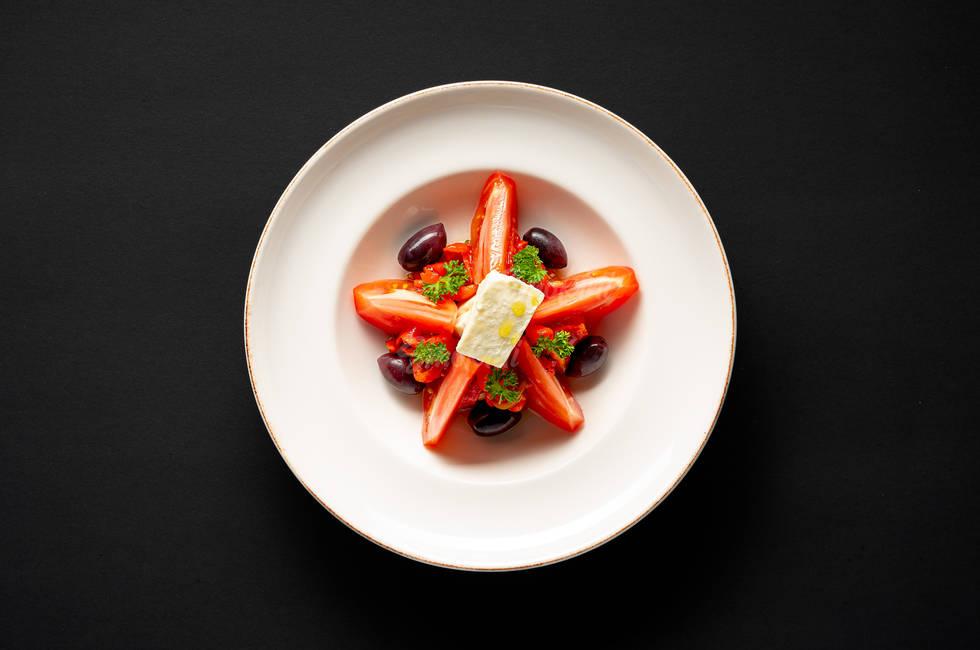 Белени домати с овче сирене снимка