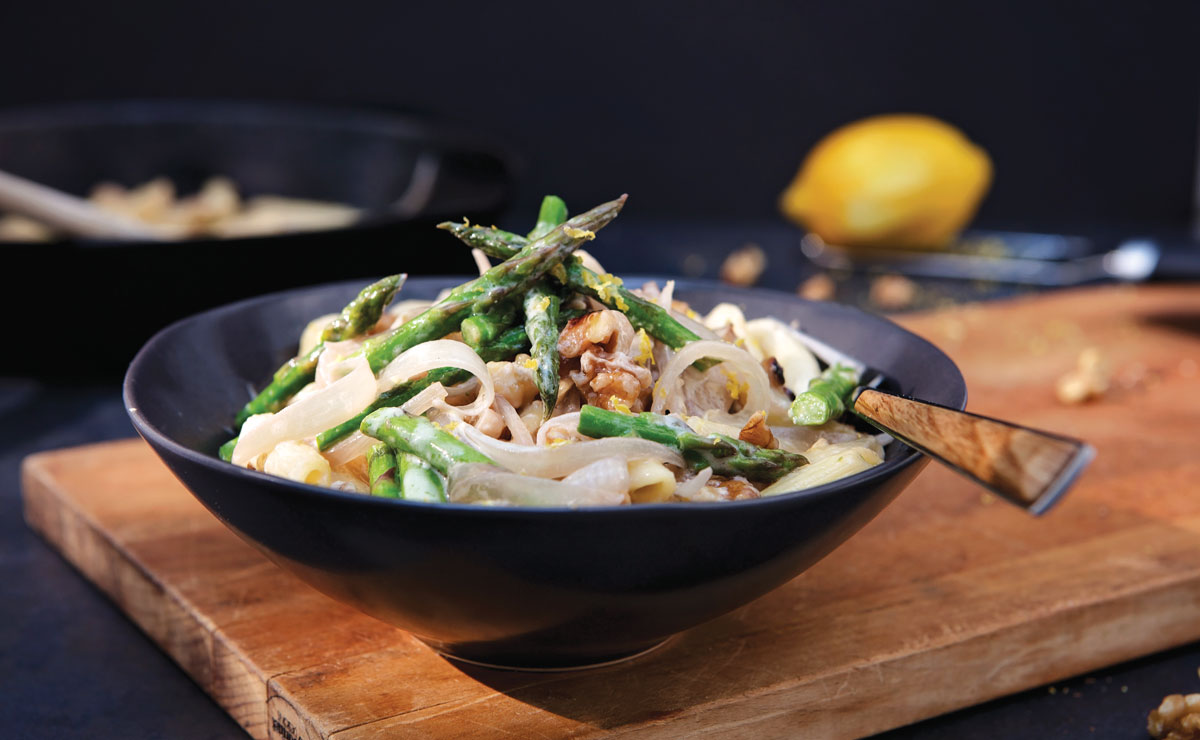 Penne with Asparagus, Walnuts and Lemon-Cashew Cream Sauce