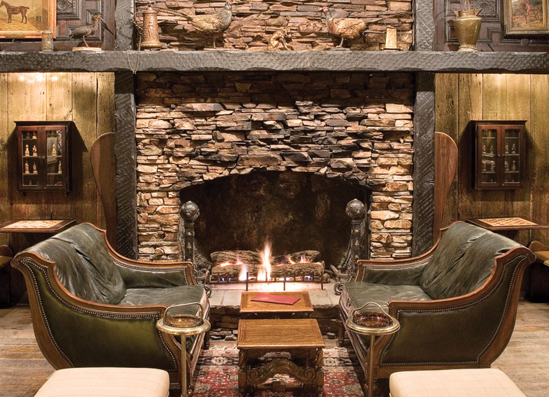 Fox & Hound Tavern is one of St. Louis's best fireside drinking spots.