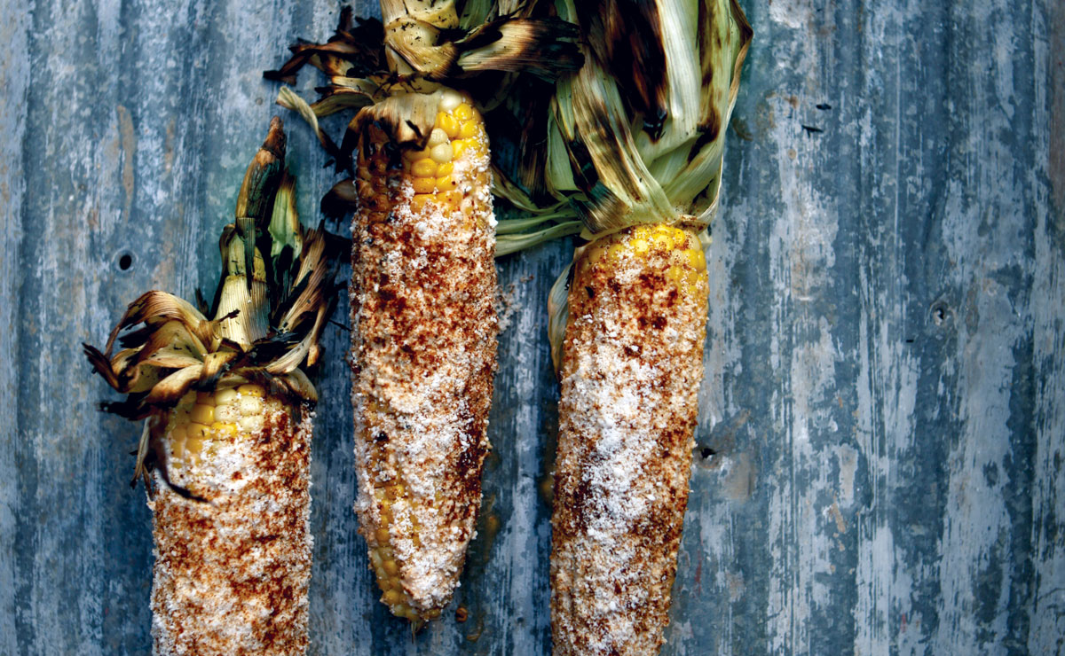 elotes with chipotle crema
