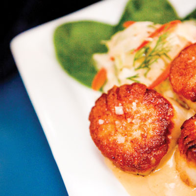seared scallops with citrus fennel slaw
