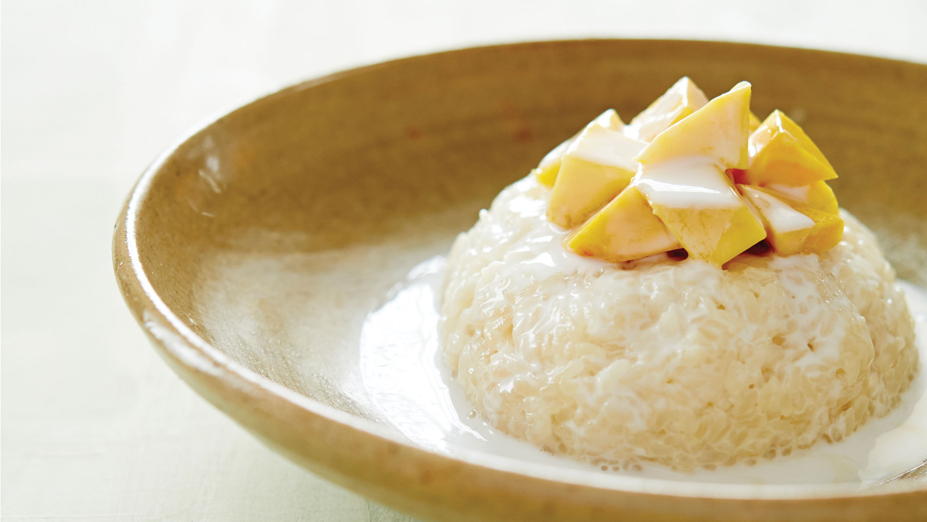 mai lee's sticky rice and mango