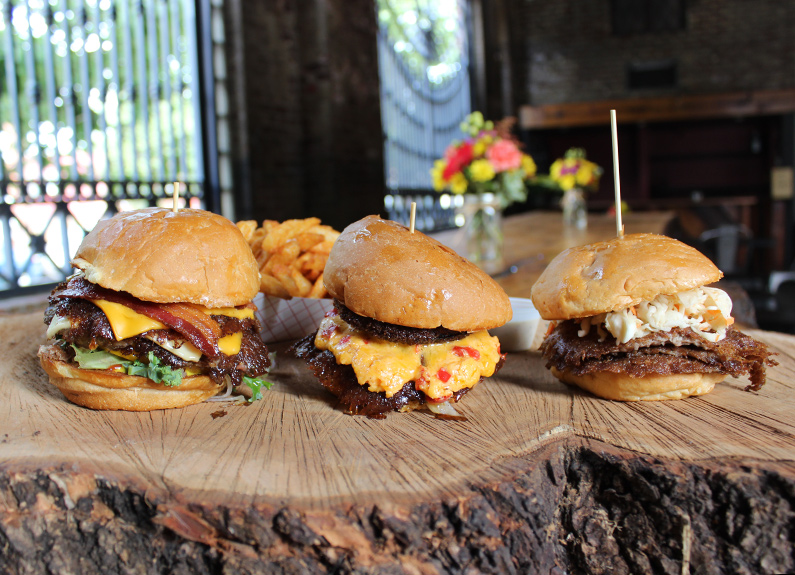 mac's local eats burgers at bluewood brewing