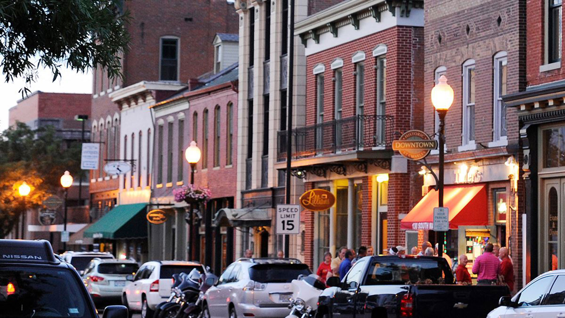 St. Charles County orders restaurants, bars and nightclubs to close at 11 p.m.