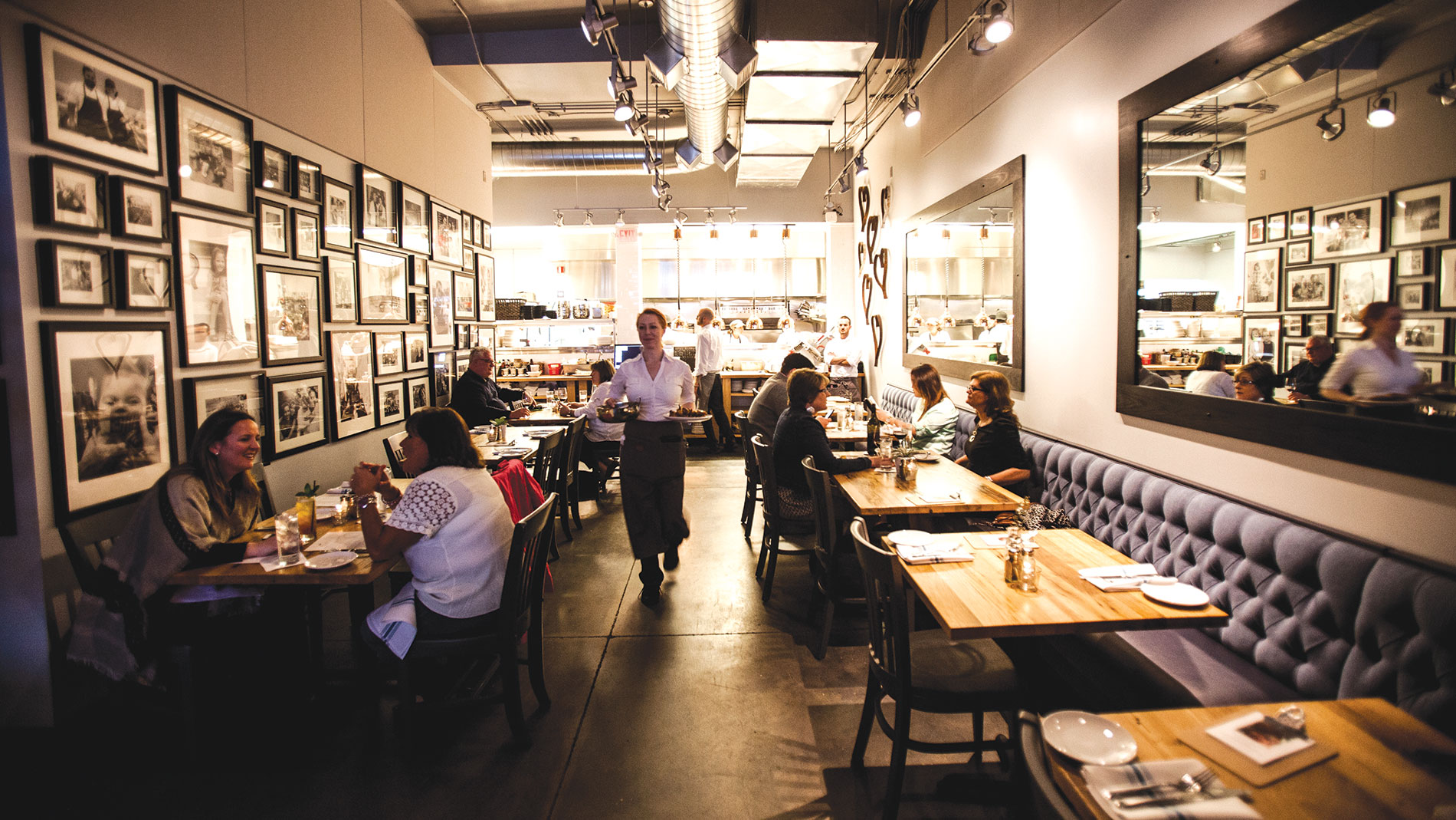 a busy restaurant dining room