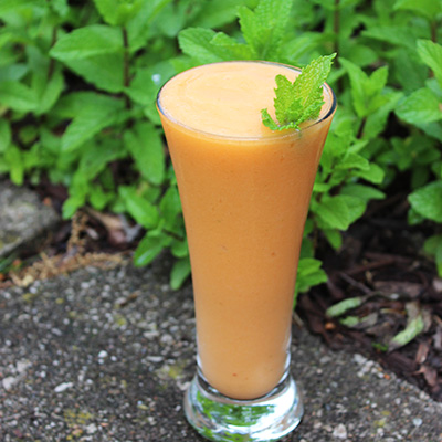 Pineapple-Mango Carrot-Mint Smoothie recipe