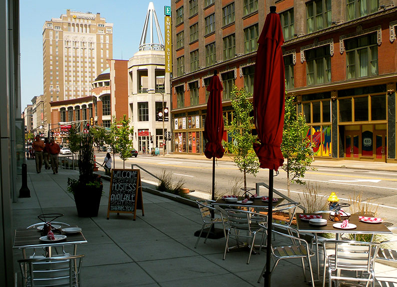 Pi Pizzeria patio in downtown St. Louis, Missouri