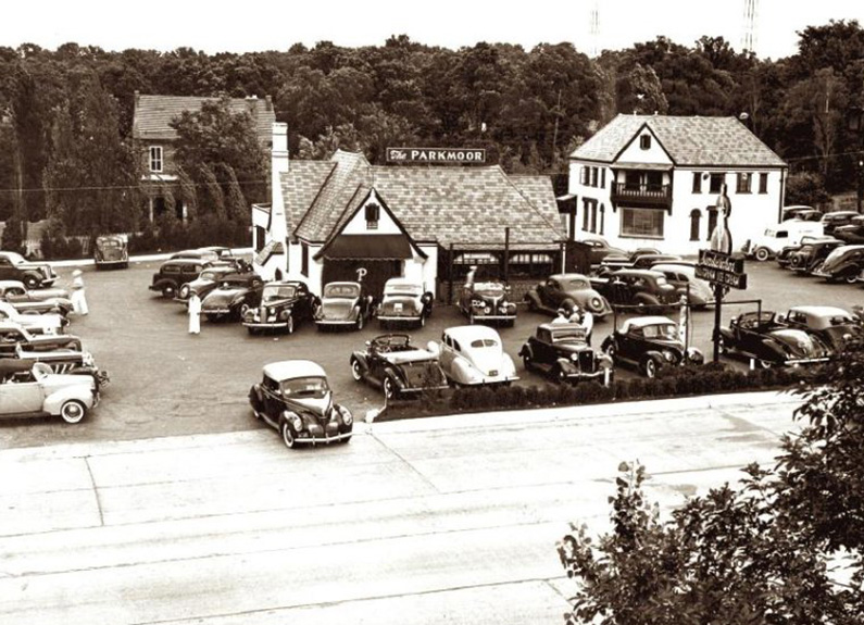 the original parkmoor drive-in at the corner of clayton road and big bend boulevard