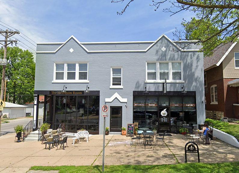 sisters sandwich shoppe in Southampton St. Louis