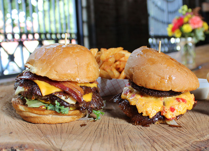 burgers from mac's local eats in st. louis