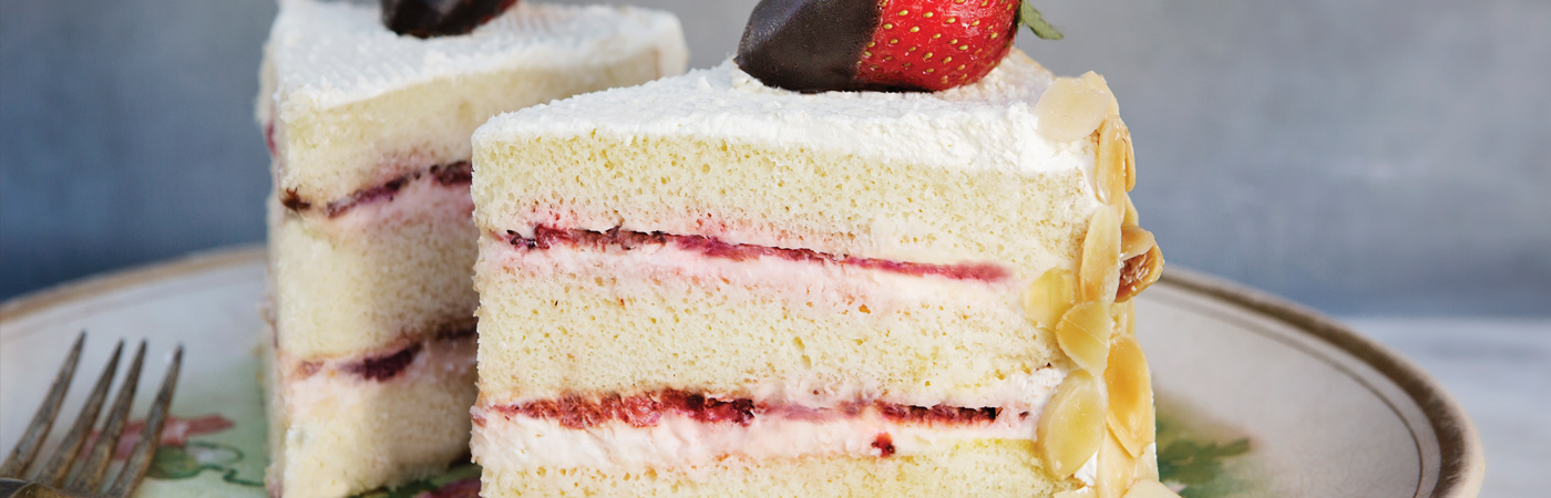 Eat This: Strawberry Mousseline Cake from La Bonne Bouchée